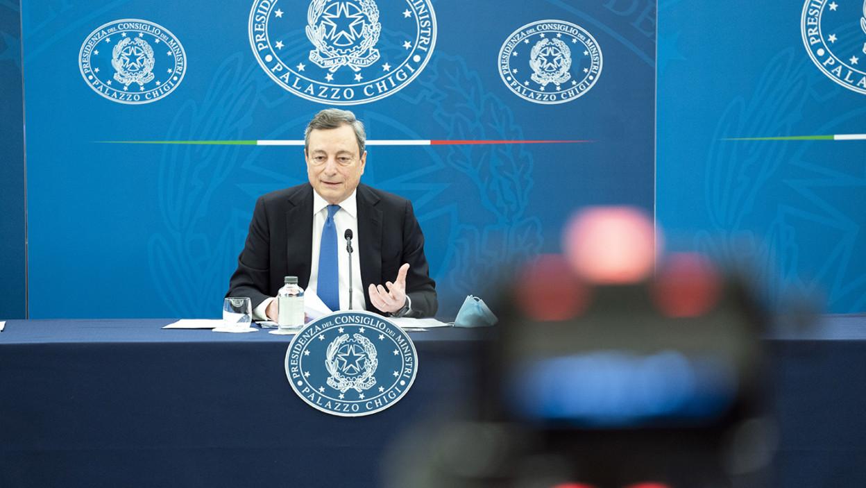 Conferenza stampa Mario Draghi riaperture 26 aprile