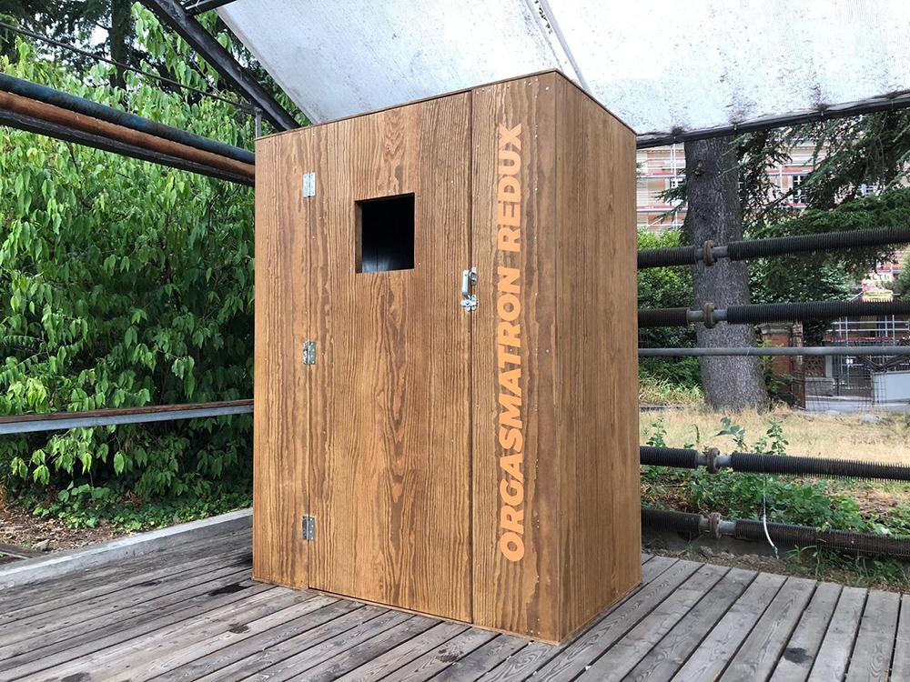 Orgasmatron Redux. Installazione di Norma Jeane a Bologna